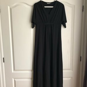 Black Maxi Dress with Short Winged Sleeves
